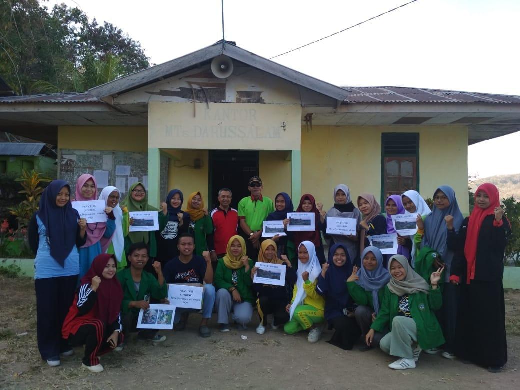 Mahasiswa PPL Nasional dan MTs Darussalam Labuan Bajo Peduli Gempa Lombok